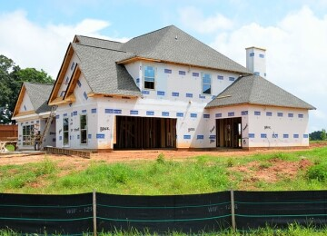 Из чего лучше построить дом — плюсы и минусы строительных материалов